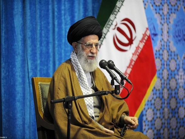 چنان اقتداری ایجاد کنید که دشمن جرأت خیال تعرض را هم نداشته باشد/ دشمن بهدنبال تسلیم نظام اسلامی است با کوتاه آمدن، دشمنیها برطرف نمیشود