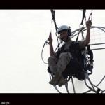 فیلم/آخرین پرواز شهید مدافع حرم «سیدروحالله عمادی» با پاراگلایدر بر فراز شهر زیراب