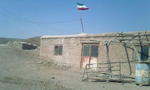 وضعیت نا مناسب مدرسه روستای پدوم آباد بخش هنزاء نیازمند توجه مسئولین