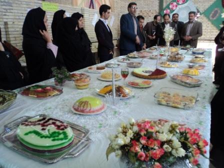 گزارش تصویری از جشنواره غذا در مدرسه کاردانش رابر