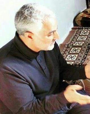 پیراهن مشکی سردار در عزای شهادت حضرت زهرا +عکس