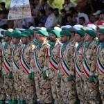 رژه روز ارتش در کرمان به روایت تصویر