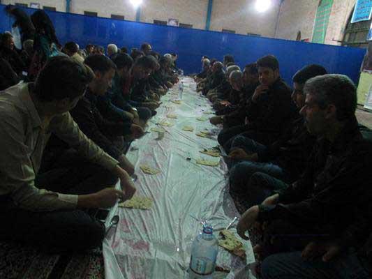 تصاویری از ضیافت افطاری در حسنیه جامع رابر
