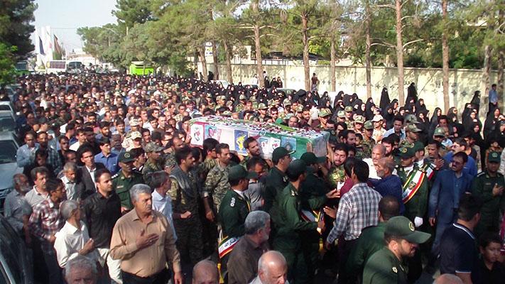 تشییع پیکر پاک شهید ضیاالدینی در زرند /گزارش تصویری