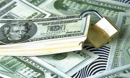 حذف دلار مبادلات اقتصادی کشور را سخت نمی کند/ مبادلات کشورهایی مانند چین، روسیه و برزیل با دلار صورت نمی گیرد