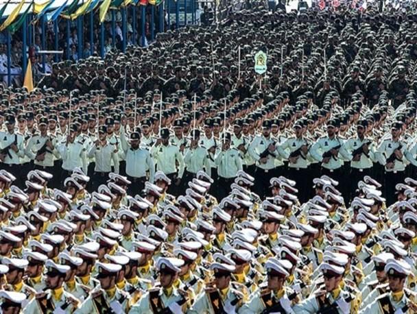 ایران زیر چتر امنیت نیروهای مسلح/ رونمایی از موشک ذوالفقار و سامانه های موشکی خاتم ۵ و ۷
