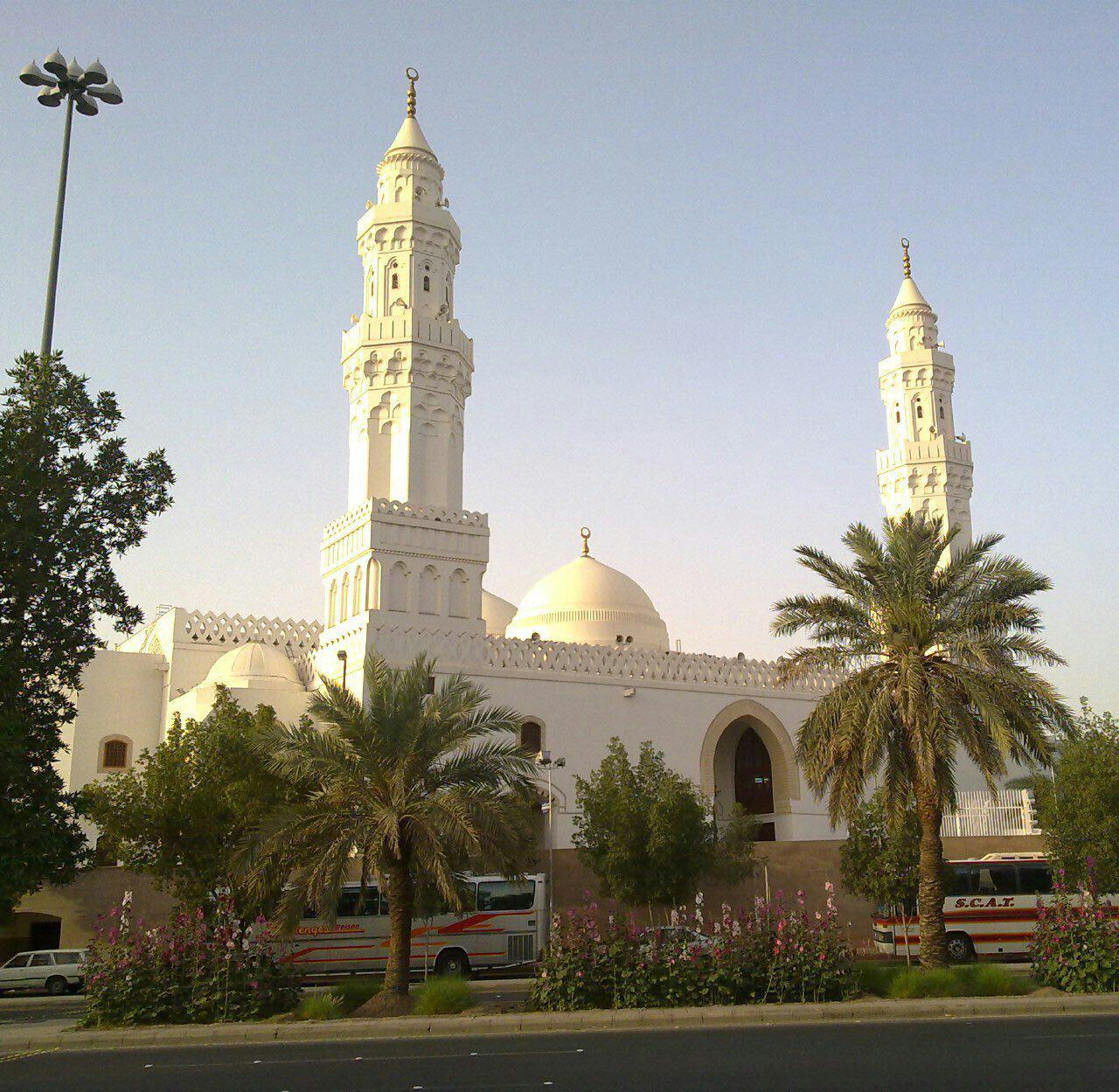 مسجدی که ۲ قبله دارد!