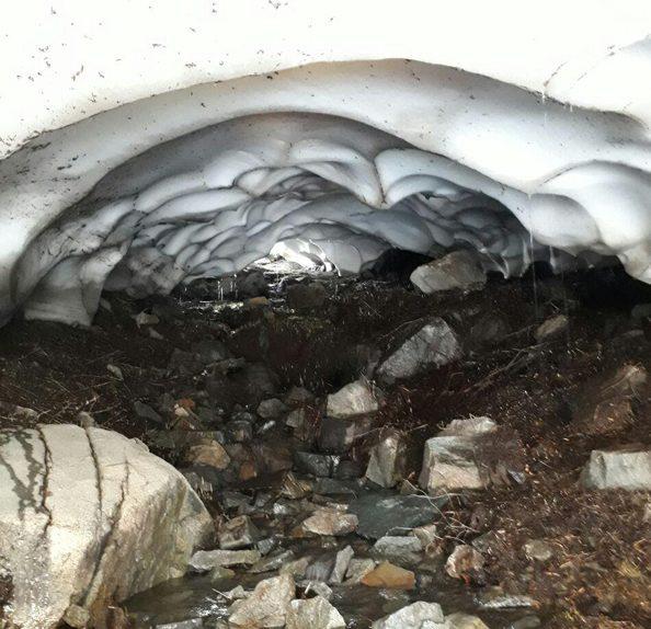 تونل برفی گردودره کار رابر ، زیباترین جلوه طبیعی و کوهستانی/فیلم