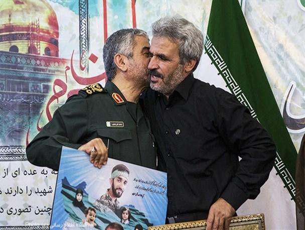 مراسم بزرگداشت شهید محسن حججی در حسینیه فاطمه زهرا(س)/تصاویر