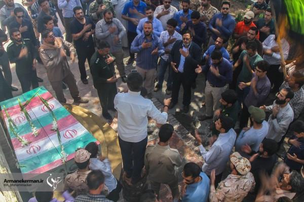 مراسم استقبال مردم دیار کریمان از سه شهید گمنام دفاع مقدس/تصاویر
