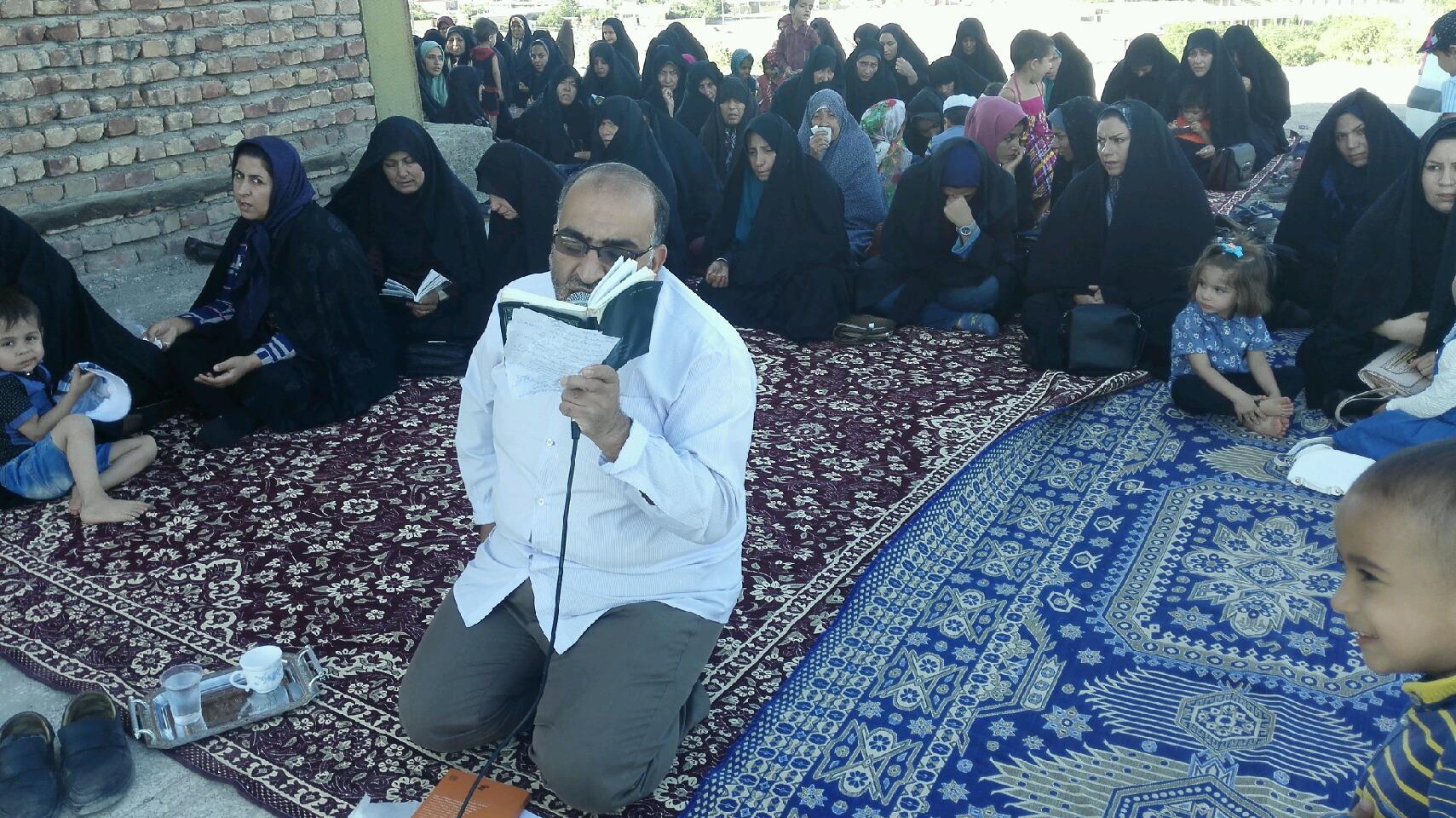 برگزاری مراسم عزاداری شب شهادت امام صادق(ع)در گلزار شهدای گمنام رابر /تصاویر