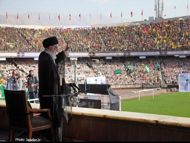 عظمت، اقتدار و شکست ناپذیری ایران شعار توخالی نیست بلکه واقعیت هایی است که دشمن آرزو میکند نباشد/ آمریکا از انقلاب اسلامی سیلی خورده است