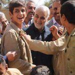 عکس/ سردار سلیمانی در پشت صحنه یک فیلم