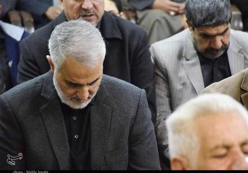 حضور سردار سلیمانی در مراسم عزای فاطمی در کرمان + تصاویر